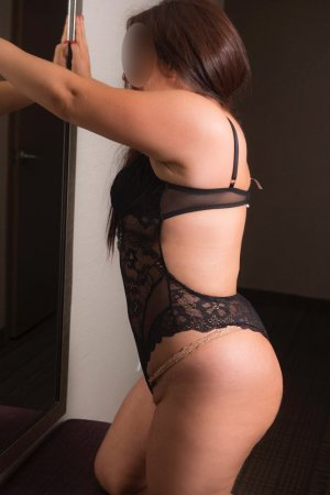 Nadjima escorts in Palm Springs